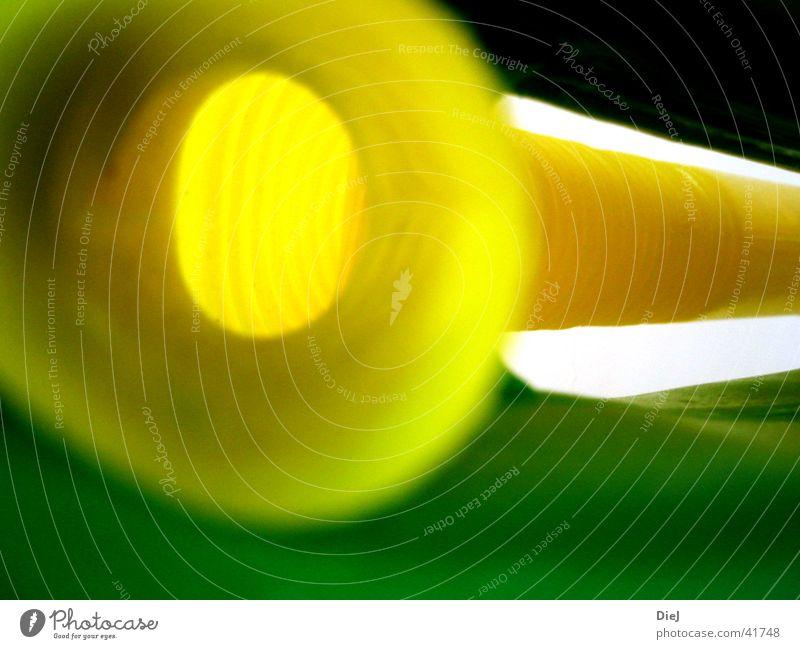 volles rohr grün gelb obskur