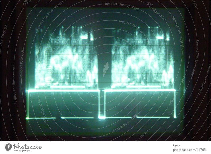Oszilloskop schwingen grün Fernsehen Elektrisches Gerät Technik & Technologie Avid Schnittplatz Postproduction Fotografie