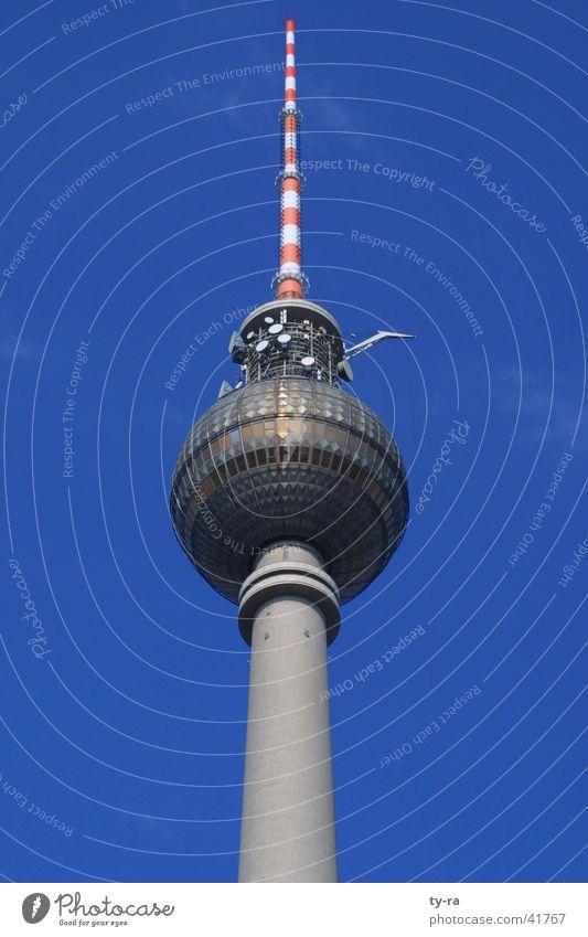 Berlin-Alexanderplatz Himmel blau Berlin Architektur Beton Aussicht Kugel Café DDR Wahrzeichen Antenne Alexanderplatz Funktechnik