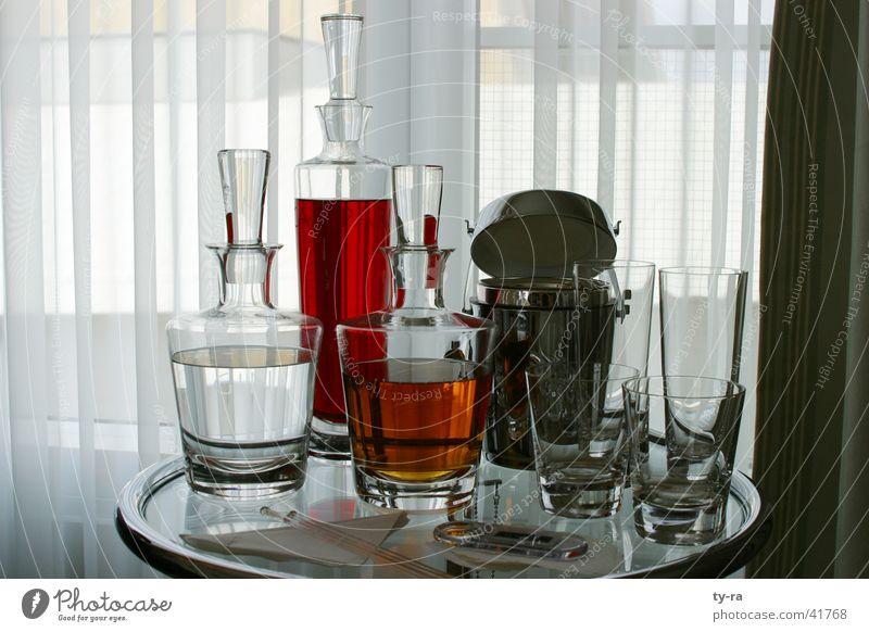 cocktailbar Getränk Cocktail Glas Hotel Hyatt Bar rot Karaffen Alkohol Aperitif