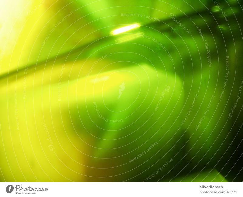 Absinth grün gelb Glas Getränk Alkohol Spirituosen