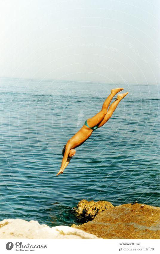 Kopfsprung Mensch Wasser Meer springen