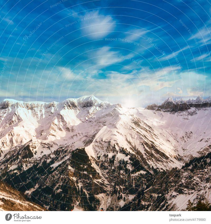 Alpen bei Elm beim Sonnenuntergang Glarus Alpenwiese Schnee Berge & Gebirge Schweiz Winter hell blau Natur Umwelt Urlaubsstimmung Reisender Berge u. Gebirge