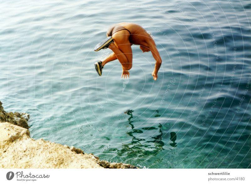 Der Hechtsprung Mensch Wasser Meer springen