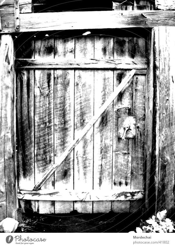 Door alt Tür verfallen Vergangenheit Nostalgie Scheune unheimlich