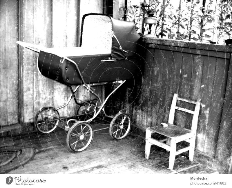 Childhood Baby Kinderwagen Nostalgie Vergangenheit historisch Schwarzweißfoto Tod Leben