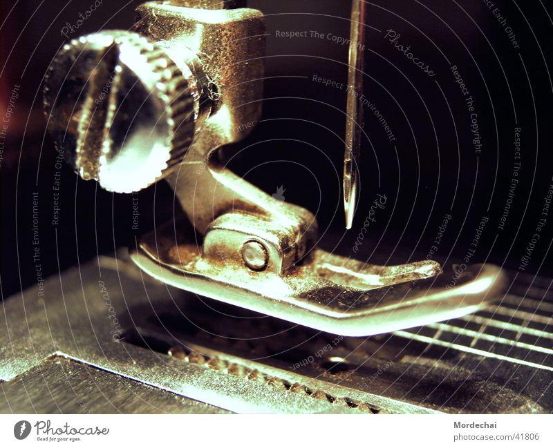 Singer Bekleidung Stoff Handwerk antik Textilien Nadel Nähen Antiquität Handarbeit Nähmaschine