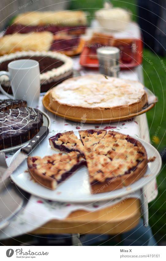 Kuchenbuffet Lebensmittel Teigwaren Backwaren Dessert Süßwaren Schokolade Ernährung Essen Frühstück Kaffeetrinken Büffet Brunch Getränk Heißgetränk Garten Party