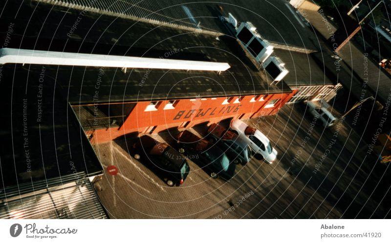Bowling Gebäude Parkplatz Mauer Freizeit & Hobby PKW