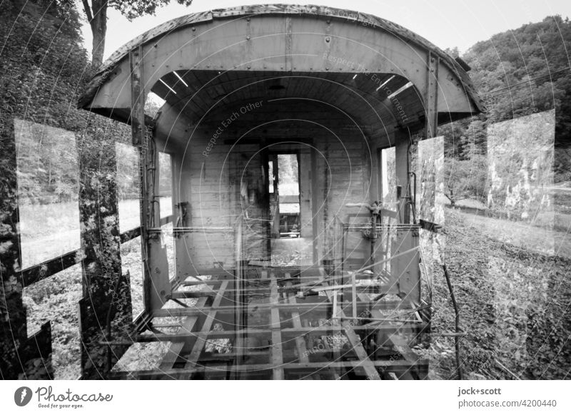 Eine lange Reise durch die Zeit Eisenbahnwaggon Doppelbelichtung Illusion Endzeitstimmung Zahn der Zeit Abstellgleis Wandel & Veränderung Verfall