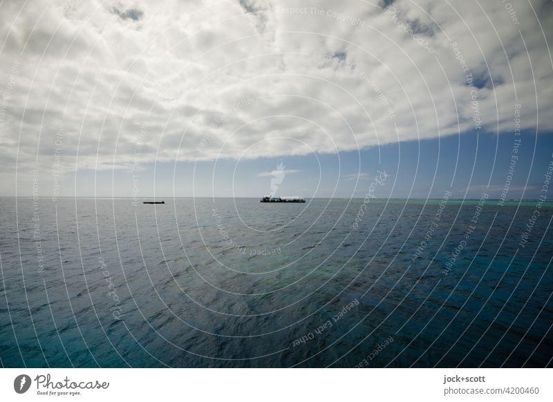 endlose Freiheit auf dem offenen Meer Ferne Himmel Wolken Great Barrier Reef Pazifik ruhig Klima Horizont Sonnenlicht Panorama (Aussicht) Natur Endlos