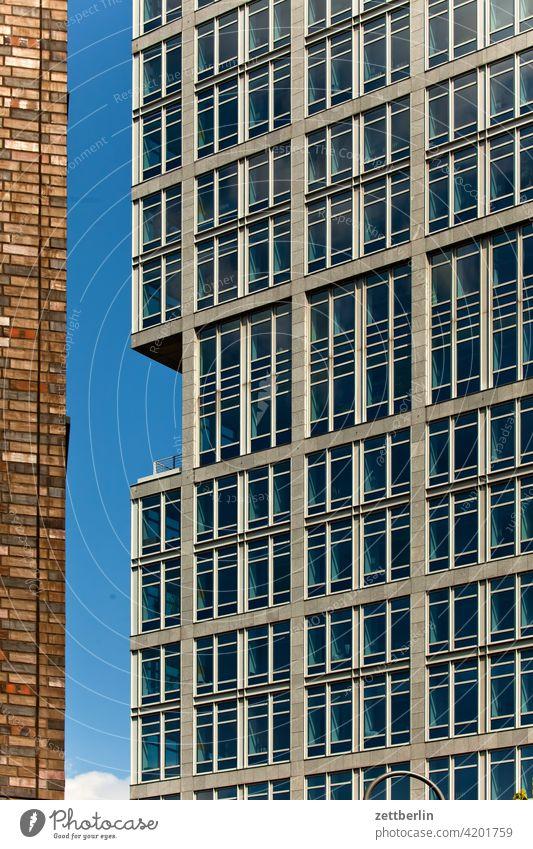 Neubaufassade architektur berlin büro city deutschland froschperspektive hauptstadt haus himmel hochhaus innenstadt mitte modern neubau platz skyline tourismus
