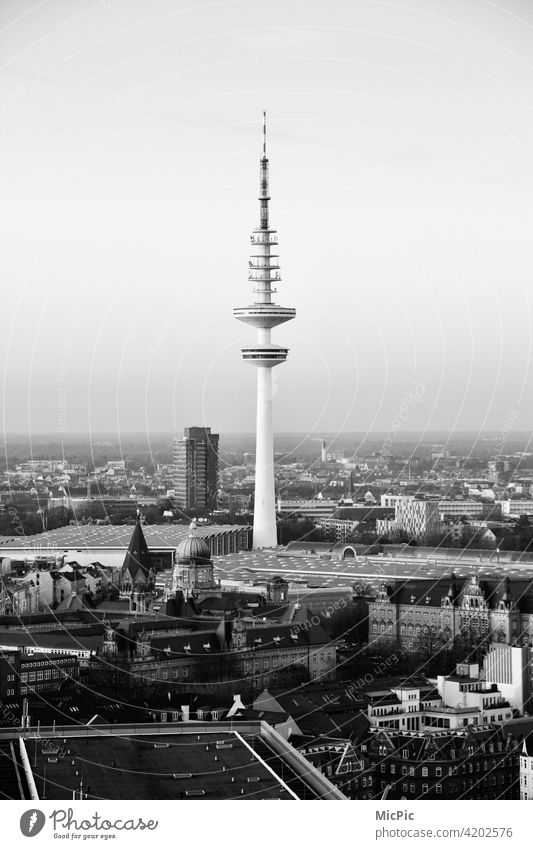 Fernsehturm Hamburg fernsehturm Hamburg Außenaufnahme Hamburger Fernsehturm Stadt Sehenswürdigkeit Gebäude hoch Architektur Wahrzeichen Turm Aussicht Stadtblick