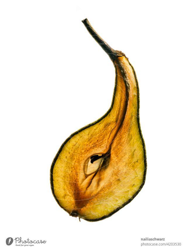 Birne Birnenstiel Obst Foodfotografie Foodporn Vegane Ernährung vegan alt trocken vertrocknet Dessert Nachtisch älter Schnittstelle Strukturen & Formen