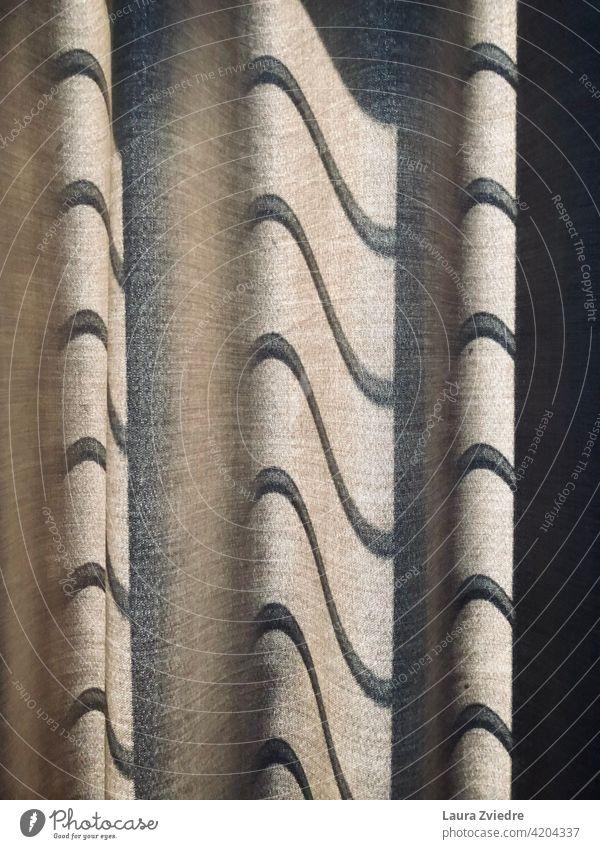 Schatten auf dem Vorhang Schattenspiel Gardine Vorhänge Fenster Licht Sonnenlicht Sonnenlicht-Reflexion Kontrast hell Muster Detailaufnahme Tag