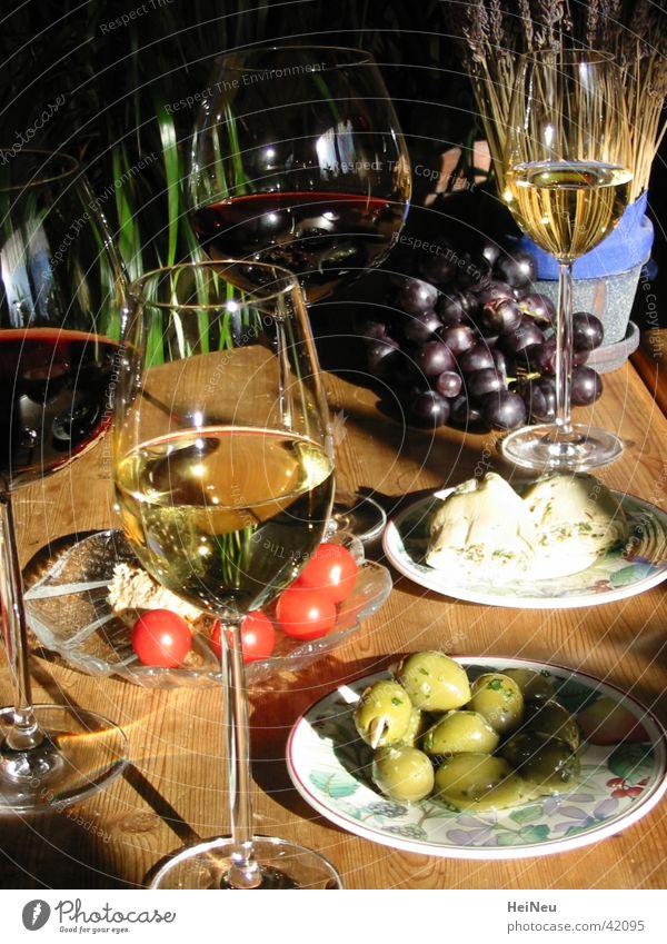 Essen mit Stil Ernährung Wein genießen Frucht Oliven Vorspeise Aperitif