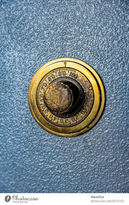 Kombination.... Safe Sicherheit Metall zahlenkombination Drehregler Rad Ziffern Ziffern & Zahlen Menschenleer Farbfoto Detailaufnahme alt Technik & Technologie