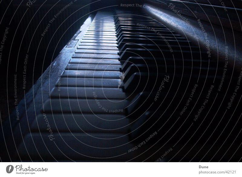 tasten Dinge berühren Klavier Musikinstrument