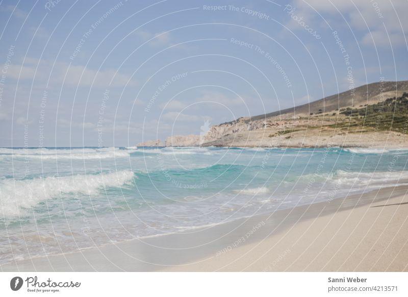 Strand von Cala Mesquida auf Mallorca Küste Meer Wasser Sand Wellen Himmel See Natur blau Erholung Ferien & Urlaub & Reisen Horizont Landschaft Außenaufnahme