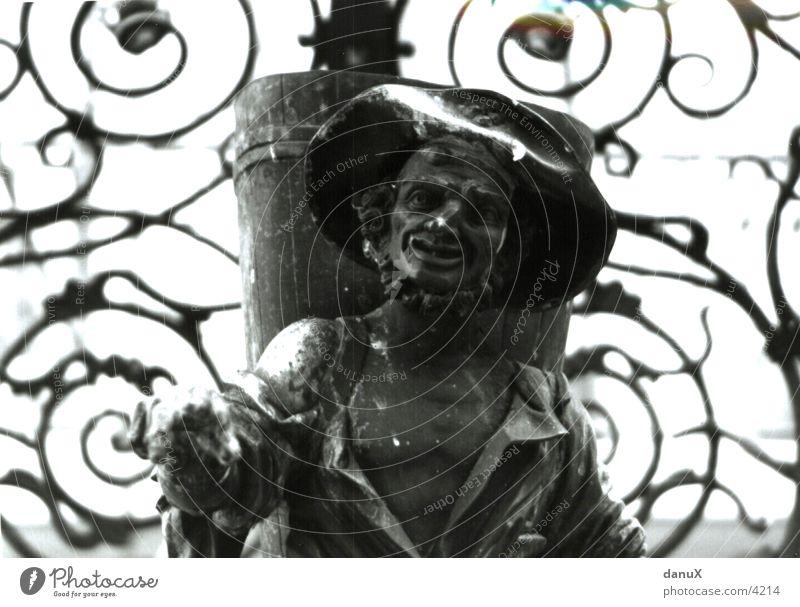 Kobold Stein Bildhauerei Fabelwesen Steinfigur Steinstatue Steinskulptur skulptural