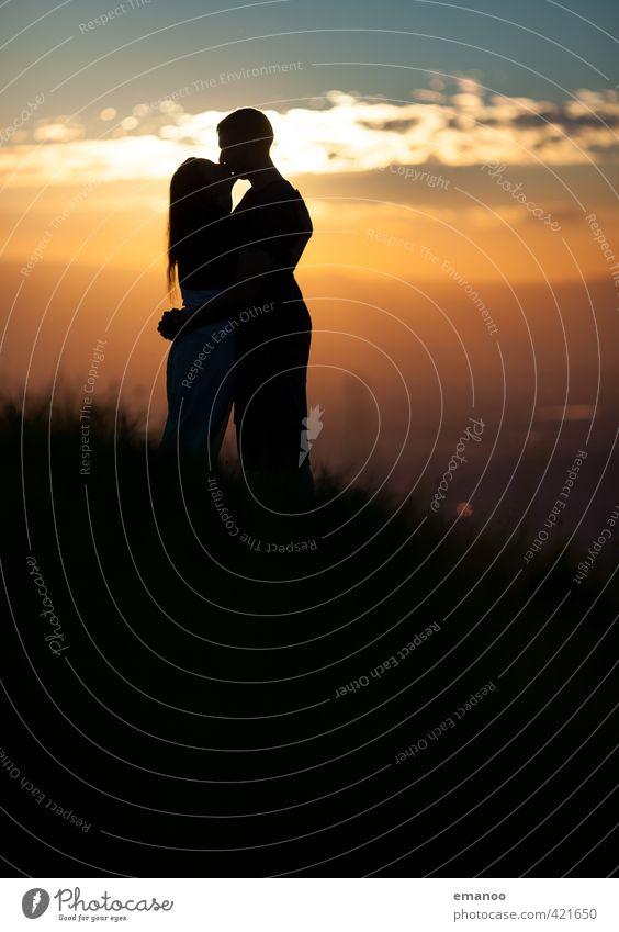 sunset love Mensch Frau Himmel Natur Jugendliche Mann Ferien & Urlaub & Reisen Sommer Sonne Landschaft Freude schwarz Erwachsene Liebe Gefühle Gras