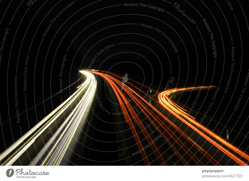 nightlights Ferien & Urlaub & Reisen Tourismus Verkehr Verkehrswege Personenverkehr Berufsverkehr Straßenverkehr Autofahren Autobahn Fahrzeug PKW Graffiti