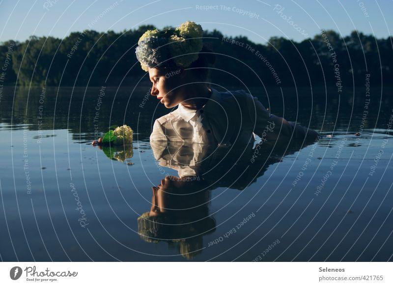 Sonnenbad Mensch Frau Himmel Natur Wasser Pflanze Sommer Baum Blume Erwachsene Umwelt feminin Küste Schwimmen & Baden See
