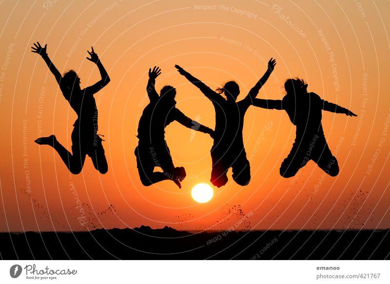 die 4 Schwestern Mensch Frau Himmel Jugendliche Ferien & Urlaub & Reisen Sommer Sonne Meer Freude Strand schwarz Erwachsene Wärme Freiheit Glück Stil