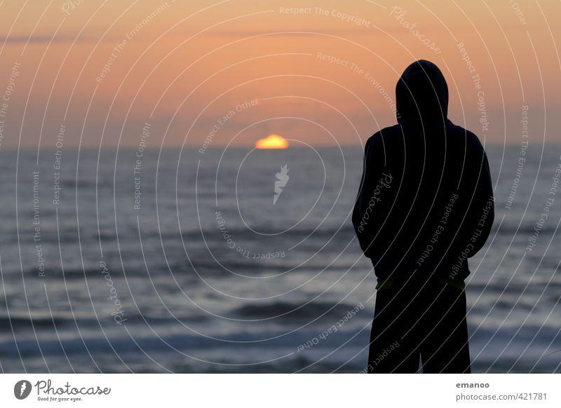 sunset addict Mensch Himmel Mann Ferien & Urlaub & Reisen schön Wasser Sommer Sonne Meer Erholung Freude Strand Ferne Erwachsene Gefühle Freiheit