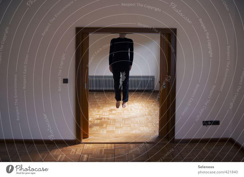 nicht echt Häusliches Leben Wohnung Haus Raum Wohnzimmer Mensch maskulin Mann Erwachsene Körper 1 Tür hängen trist Traurigkeit Sorge Trauer Tod Schmerz Farbfoto