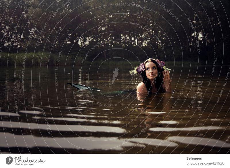 Seejungfrau Ausflug Ferne Freiheit Sommer Sonne Sonnenbad Wellen Mensch feminin Frau Erwachsene 1 Umwelt Natur Landschaft Wasser Baum Küste Seeufer Flussufer