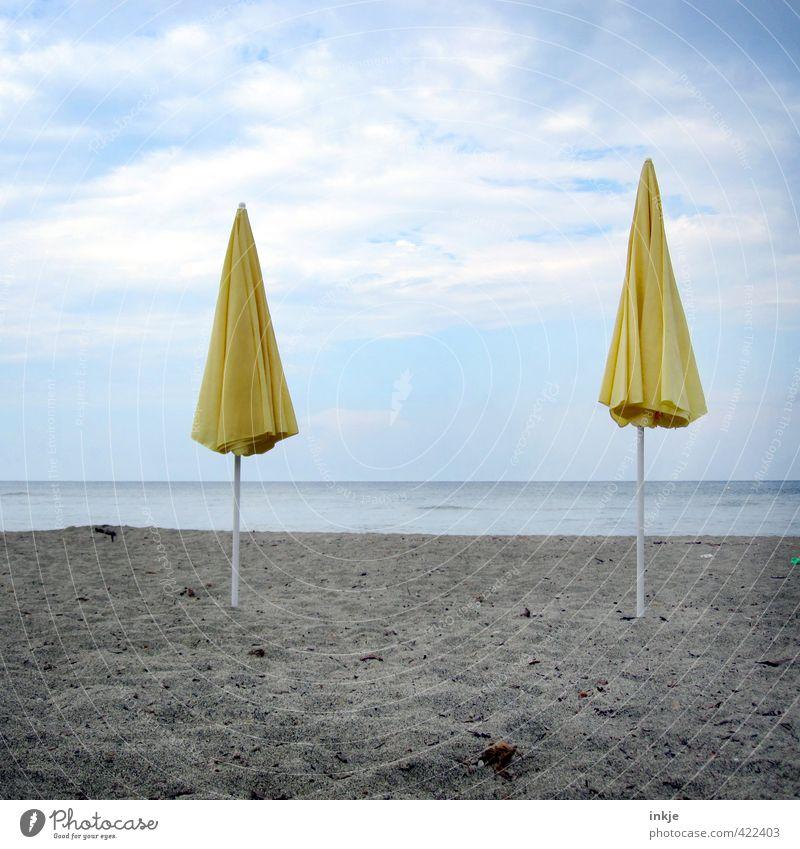 Saisonende Himmel Ferien & Urlaub & Reisen Sommer Meer Wolken Strand gelb Küste Horizont Stimmung Freizeit & Hobby Klima Tourismus stehen Schönes Wetter