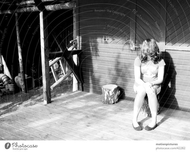 ausgestoßen Frau abgelegen Außenseiter ausstoßen Deprivation