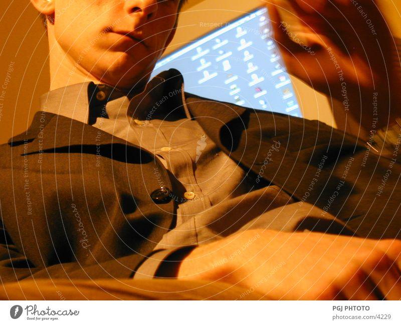 Sog. Nachdenken am Arbeitsplatz Mann Arbeit & Erwerbstätigkeit Erholung Mensch komputer Computer e-business Business Software Geschäftsmann