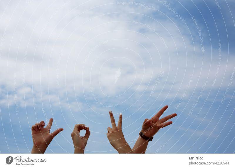 Love Liebe Zuneigung zeigen Verliebtheit Romantik Sympathie Liebesgruß Liebeserklärung Lebensfreude Frühlingsgefühle Liebesbekundung Partnerschaft Finger Hand
