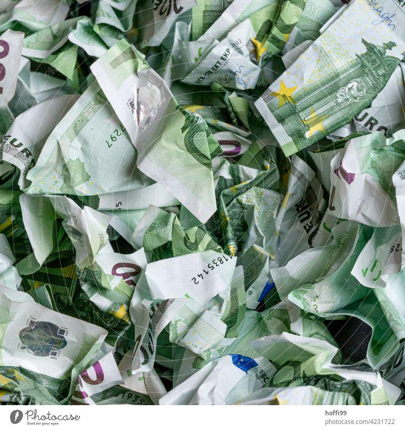 zerknülltes Geld - lauter 100 Euro Noten Geldscheine Bargeld Banknote Kapitalwirtschaft bezahlen Einkommen Finanzen Eurozeichen Erfolg viele reich Reichtum