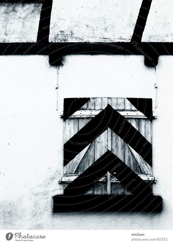 UPWARDS weiß schwarz Architektur Pfeil graphisch Rollladen