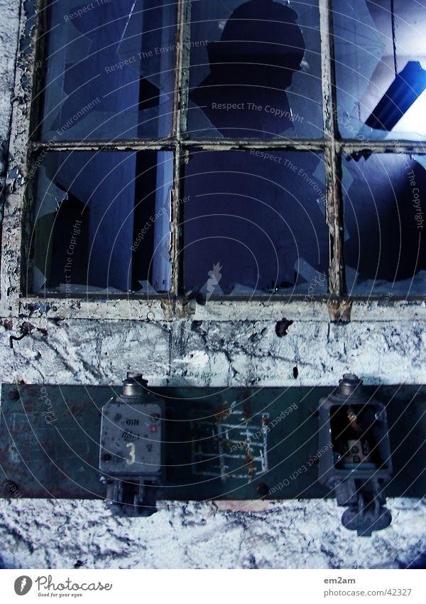 ALTERNATE gebrochen Licht Lampe Monochrom Grunge Hintergrundbild Vordergrund Industrie blau Goldener Schnitt alt