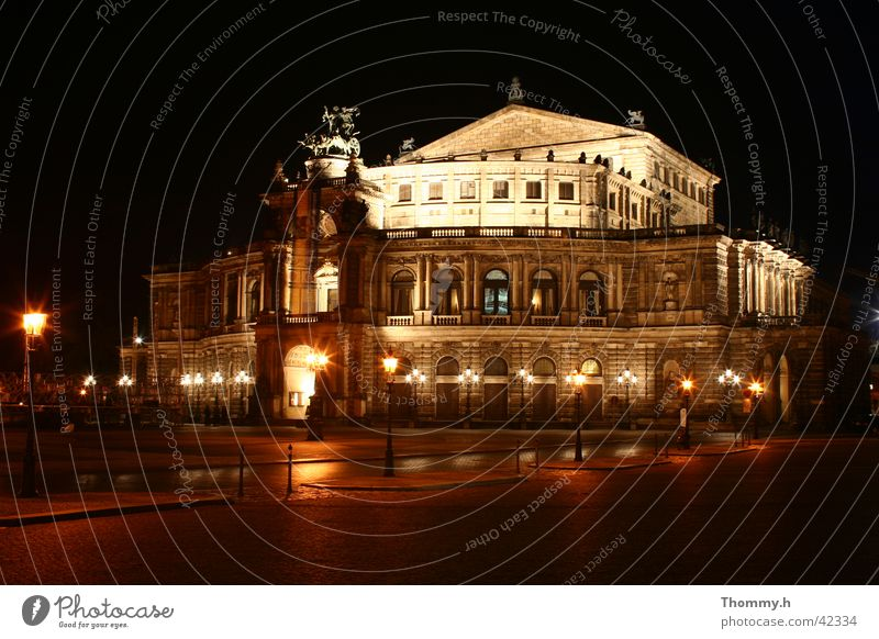 Semperoper Dresden bei Nacht Architektur Semperoper