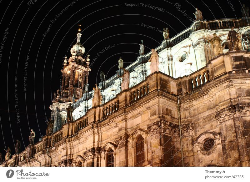 Schlosskirche Dresden bei Nacht Architektur Hofkirche