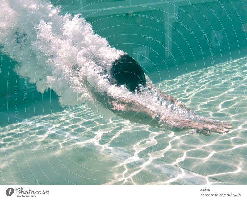abtauchen maskulin Leben 1 Mensch 30-45 Jahre Erwachsene Sommer Schönes Wetter Wärme Schwimmbad Wasser Schwimmen & Baden sportlich Coolness Fröhlichkeit frisch