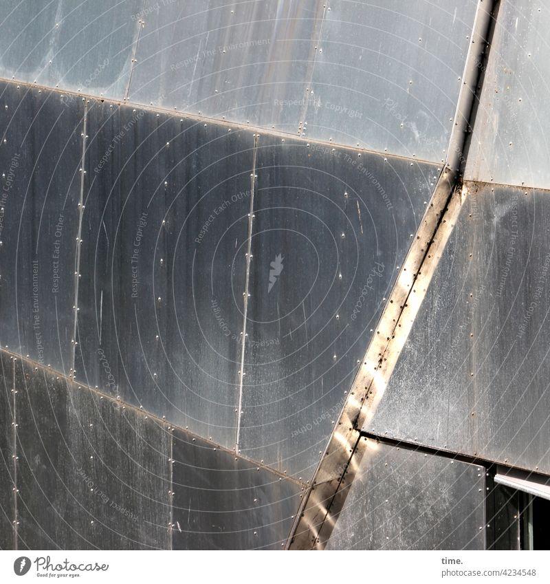 Metallika XI hausboot schweißnaht struktur muster punkte linien sicherheit sonnenlicht sonnig stahl eisen oberfläche metall fuge rille reflexion spiegelung