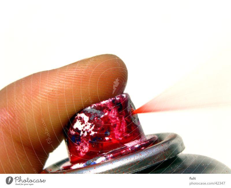 Sprühdose 2 rot sprühen Baseballmütze Finger lackieren spritzen streichen Dinge Bombe Fingerkuppe Zeigefinger drücken Zischen ausleeren Nebel Behälter u. Gefäße