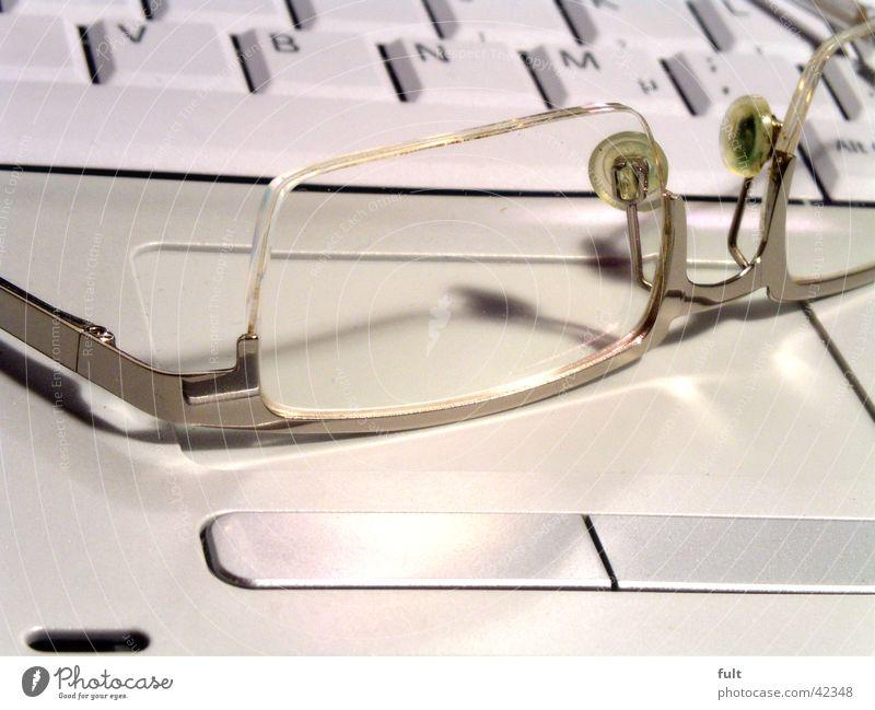 feierabend weiß ruhig grau Computer Business Metall Design Technik & Technologie Brille liegen Informationstechnologie Buchstaben Dinge Tastatur Notebook Statue
