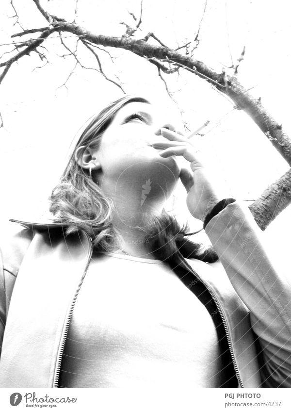 Smoking delight Frau Mensch Rauchen Mädschen Blick
