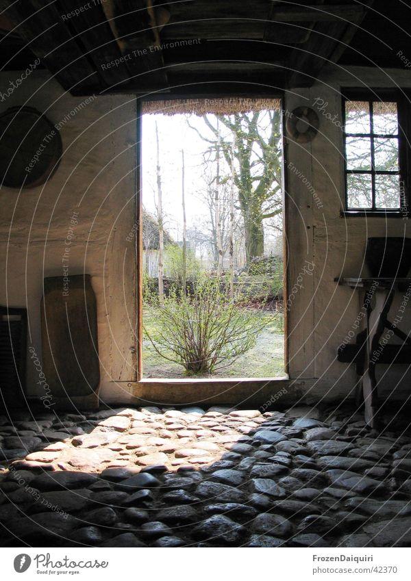 Altes dänisches Bauernhaus Holz Haus Tür Licht dunkel Fenster Steinboden Kunst Sightseeing historisch Kopenhagen Dänemark Landwirtschaft Europa Sehenswürdigkeit