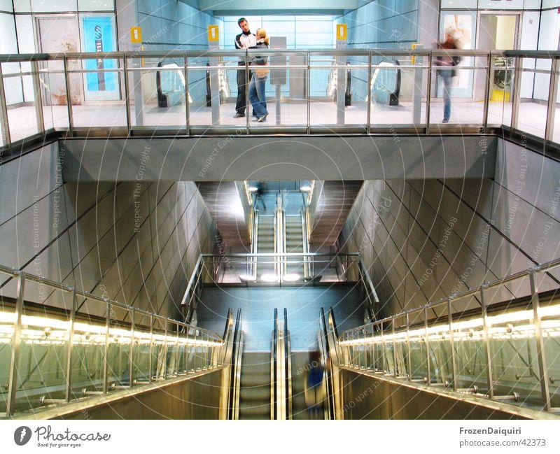 Copenhagen Subway #1 Mensch Gebäude Beleuchtung Metall Kunst Architektur Glas Perspektive modern neu U-Bahn Illumination Dänemark Sightseeing Sehenswürdigkeit
