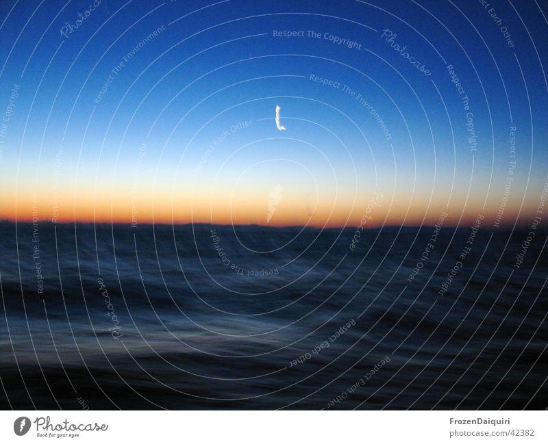 Tsunami ... or what? Himmel Meer blau Wellen Segeln Mond Kroatien