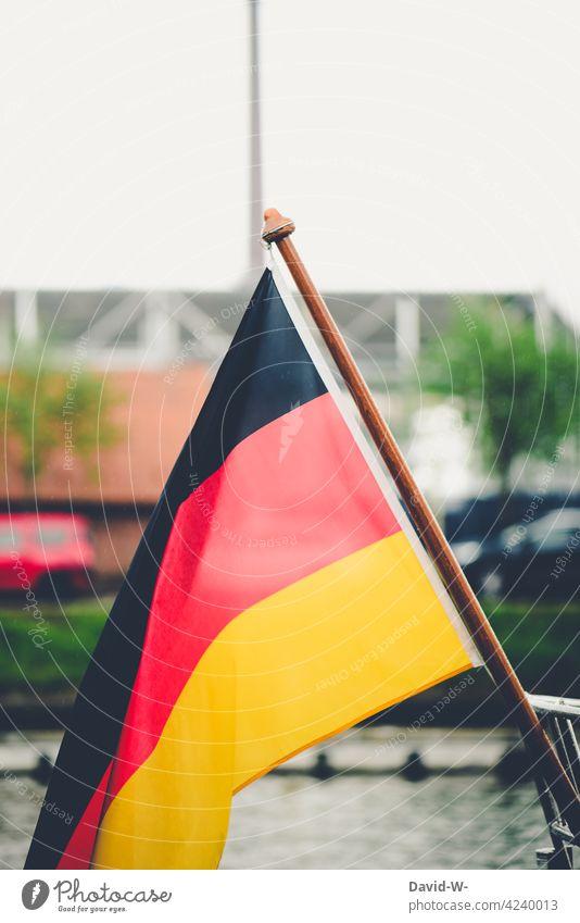 Deutschlandfahne Deutschlandflagge Flagge Patriotismus Deutsche Flagge Nationalflagge Politik & Staat Fahne deutsch