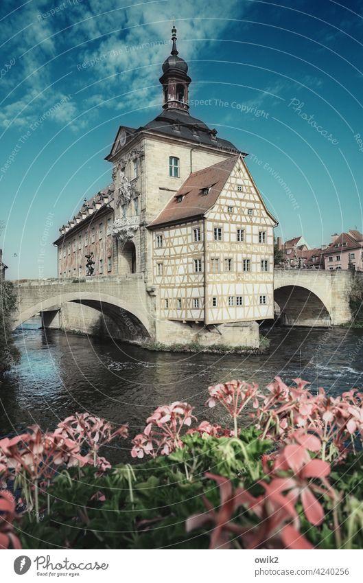 Symbol der Macht Bamberg Altes Rathaus Berühmtheit Wahrzeichen Sehenswürdigkeit historisch Historische Bauten Bauwerk mittelalterlich trutzig Turm Fachwerk